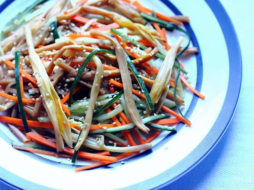 Carrots good for you? Daylily salad with cucumbers and carrots